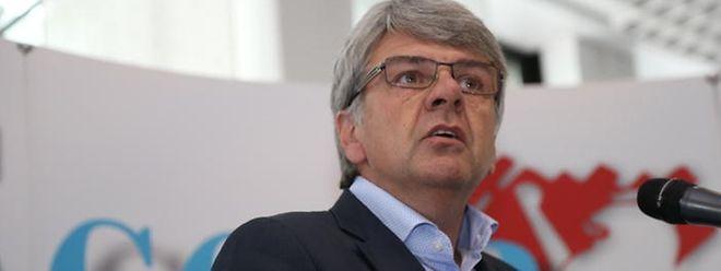 Der Vorsitzende der CGFP, Romain Wolff, fordert, dass die Stagiaires im öffentlichen Dienst wieder voll bezahlt werden.