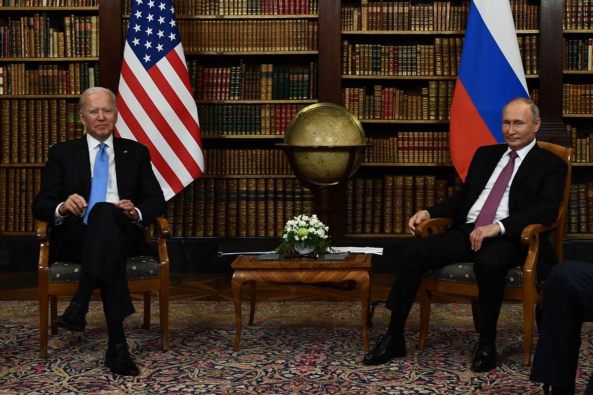 US-Präsident Joe Biden zusammen mit dem russischen Präsidenten Wladimir Putin bei ihrem Treffen im Juni in Genf.
