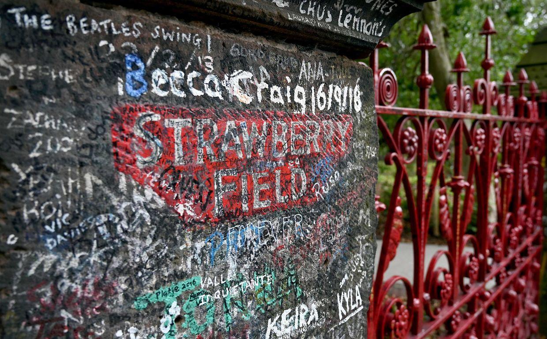 """Liverpool. Beatles-Fans können in Liverpool den Kindergarten besuchen, in dem John Lennon seine ersten Schuljahre verbracht hat und der ihm später die Inspiration für seinen Song """"Strawberry Fields Forever"""" gab. Heute werden in dieser Schule behinderte Jugendliche auf einen Job vorbereitet."""