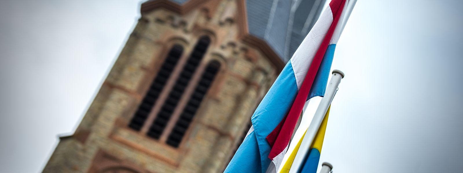Getrennt und doch irgendwie zusammen: Staat und Kirche sind auch heute noch eng miteinander verknüpft.