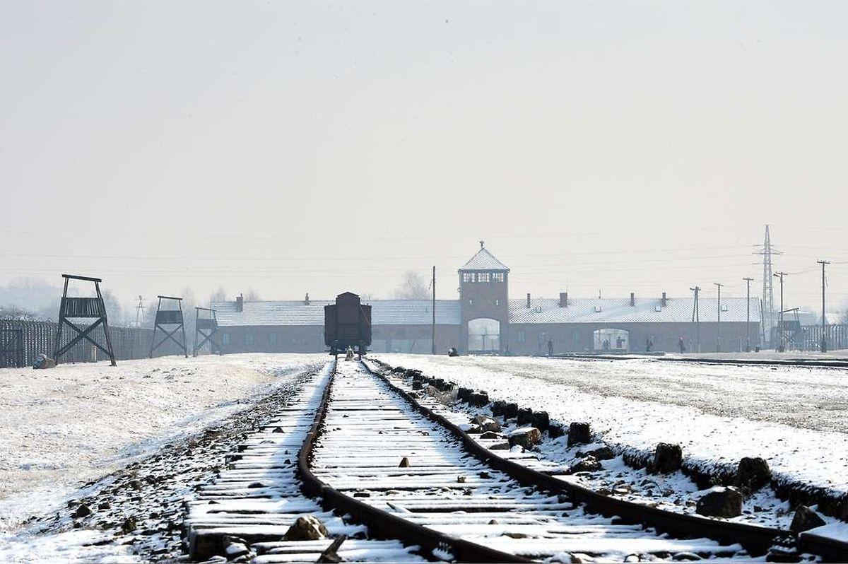 Die Bahngleise blieben erhalten.
