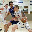Alex Rodenburg (Basket Esch) vor Jordan Hasquet (AB Contern).