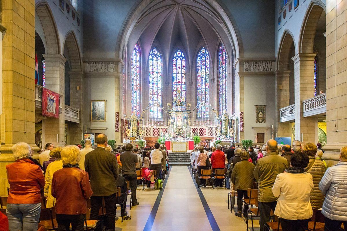 "Messe für die neue Pfarrei ""Déifferdeng Saint - François - d'Assise."