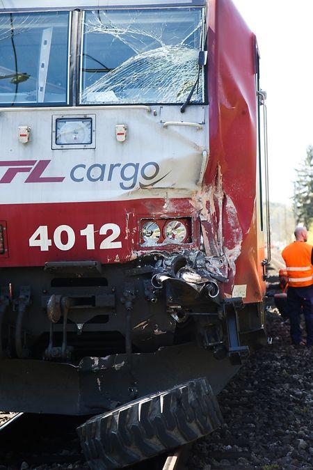 An der Lokomotive entstand erheblicher Sachschaden.