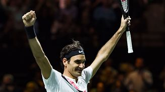 Roger Federer of Switzerland celebrates after victory against Grigor Dimitrov of Bulgaria during their men's singles final for the ABN AMRO World Tennis Tournament in Rotterdam on February 18, 2018.  / AFP PHOTO / ANP / Koen Suyk / Netherlands OUT