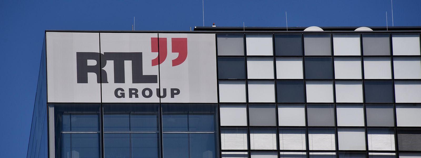 Das Logo der RTL Group am neuen Verwaltungsgebäude in Kirchberg.