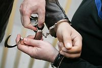 Handschellen, Verhaftung, Arrest, Anouk Antony