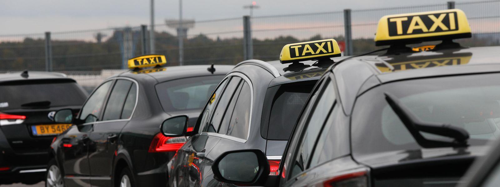 Die Situation ist besonders kritisch für kleine Taxiunternehmen, die nur wenige Wagen im Einsatz haben.