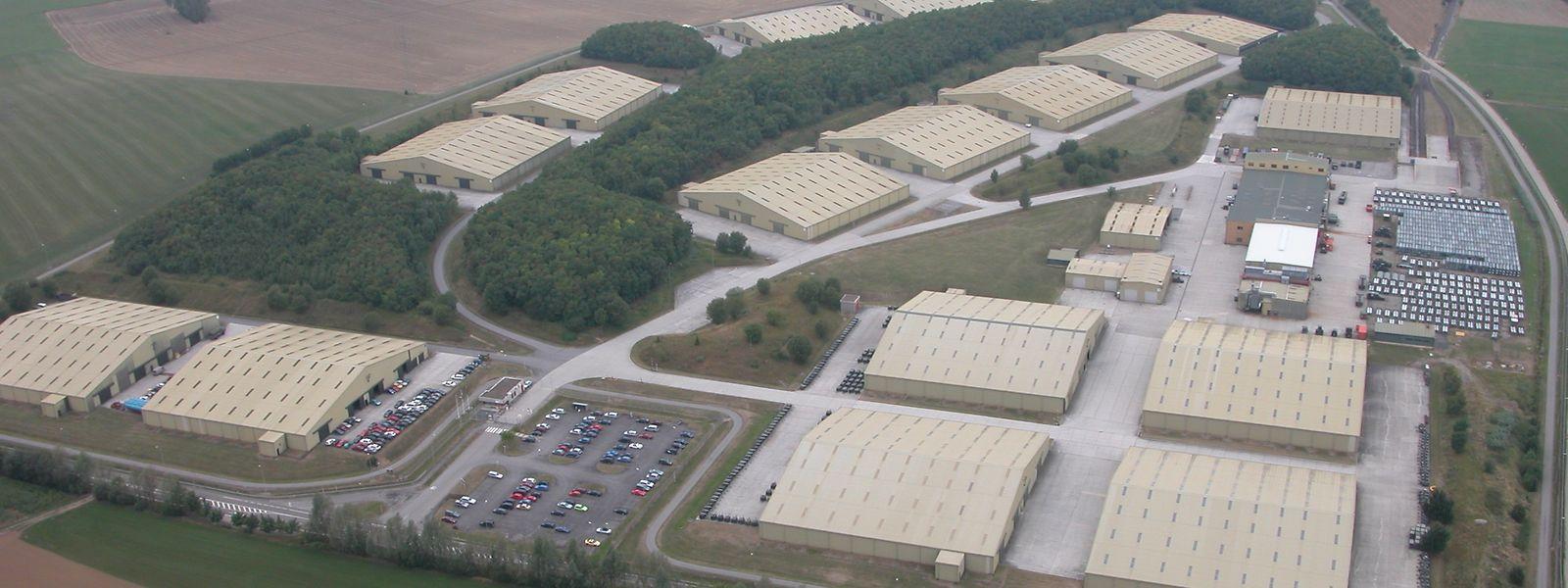 Le site de Warehouses Services Agency (WSA) à Sanem, met 17 hangars à la disposition des armées américaine et luxembourgeoise et de la Justice.