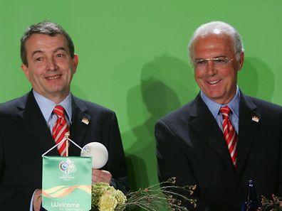 Der Chef des Organisationskomitees, Franz Beckenbauer, und sein Vize, Wolfgang Niersbach im Jahr 2006