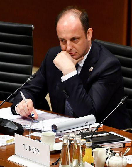 Im März nimmt Murat Cetinkaya als damaliger Gouverneur der türkischen Zentralbank an einem Treffen der G20-Finanzminister teil.