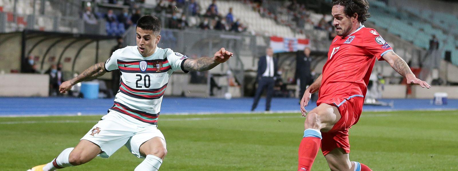 Ende März spielt Joao Cancelo mit Portugal im Stade Josy Barthel gegen Mica Pinto (r.) und die FLF-Auswahl.