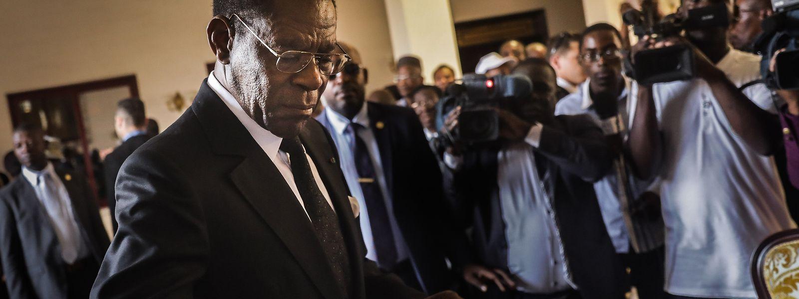 O Presidente da Guiné-Equatorial Teodoro Obiang exerceu o seu direito de voto, em Malabo