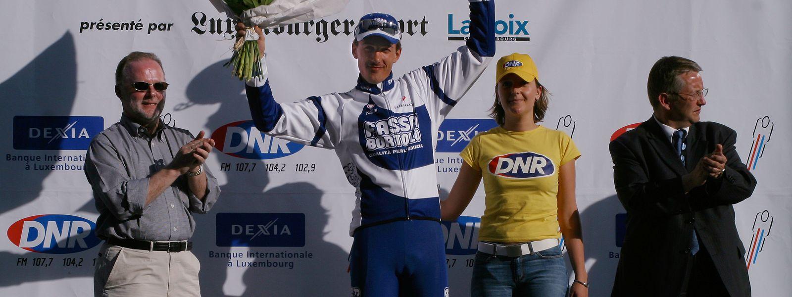 Ein Bild aus dem Jahr 2004: Fabian Cancellara gewinnt das Einzelzeitfahren in Bettemburg.