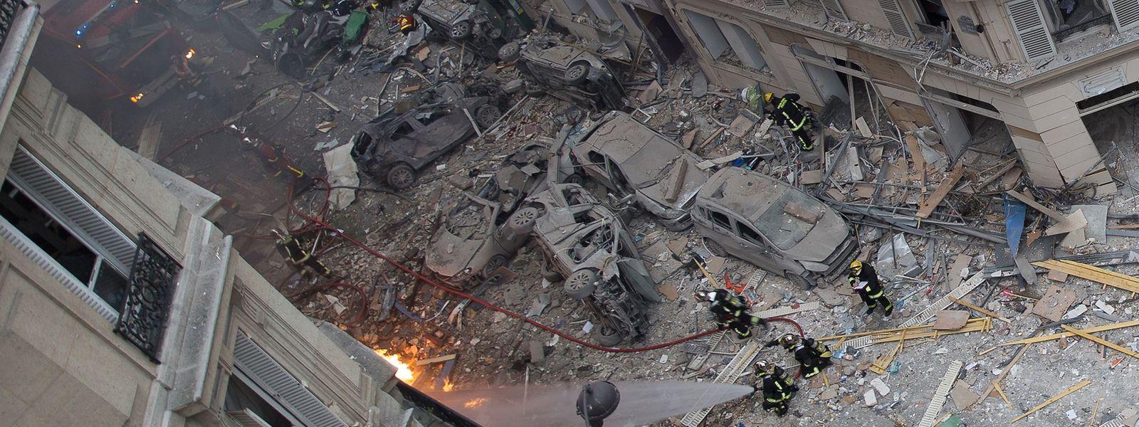 Die Explosion verursachte enorme Schäden in der Umgebung der Bäckerei.