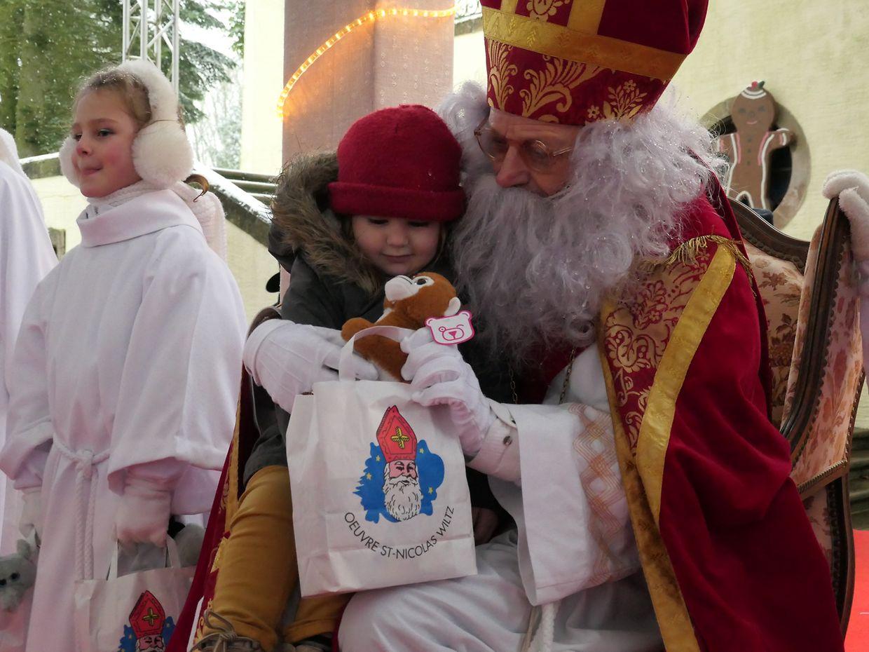 Dem Kleeschen fiel es am Sonntagnachmittag wahrlich nicht schwer, die Herzen der Kinder zu erobern.