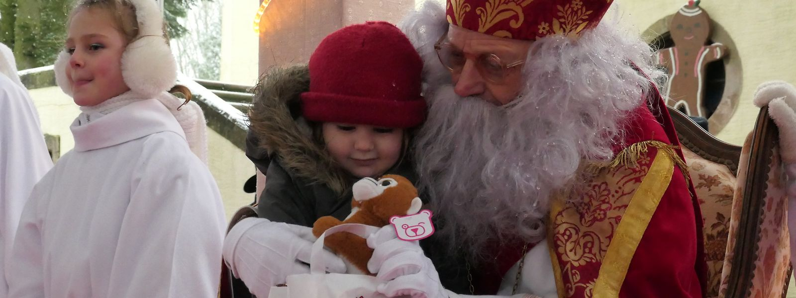 Dem Kleeschen flogen am Sonntag wieder einmal in Wiltz die Herzen der Kinder zu.