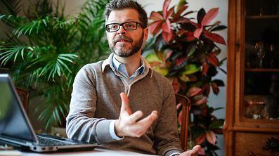 Luc Heuschling sieht dem Vorschlag, eine luxemburgische REchtssprache zu schaffen, eher skeptisch entgegen.