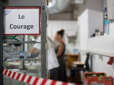 Le Courage est ouver tous les jours entre 11 et 19 heures et a distribué en un an plus de 12.000 sandwichs.