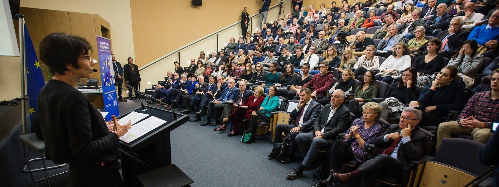 Dialoge zwischen EU-Politikern und Bürgern hat es auch unter der Vorgängerkommission von Jean-Claude Juncker gegeben. Ursula von der Leyen hat ein konkreteres Vorgehen versprochen.