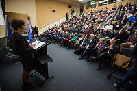 Débat avec Marianne Thyssen  - Commissaire européenne à l'emploi, aux affaires sociales aux compétences et à la mobilité - Photo : Pierre Matgé
