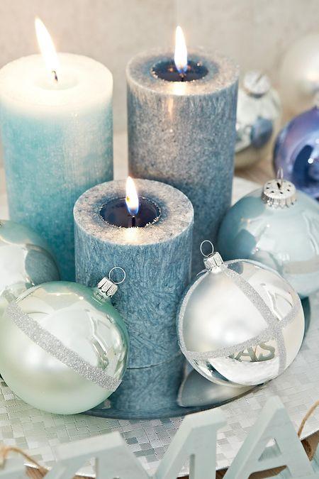 Eigentlich geht dekomäßig fast alles zu Weihnachten - und in diesem Jahr besonders die Trendfarben Silber, Jeansblau, und Pastellblau.