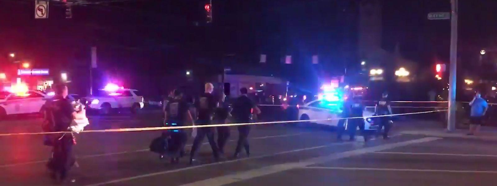 Medienberichten zufolge fielen die Schüsse nahe einer Bar im Oregon District im Zentrum der Stadt.