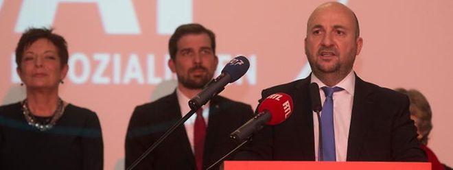 Vizepremier Etienne Schneider verteidigte die eigene Bilanz und stellte weitere sozialistische Akzente in der Regierungspolitik in Aussicht.