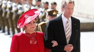 Grand Duchess Maria Teresa wears an elegant and minimalistic creation.