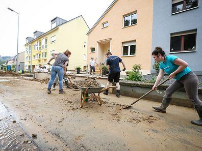 In Fels und Umgebung wurden mehrere Wohnhäuser von Wasser und Schlamm heimgesucht.