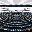 ...und jenen in Straßburg, der Platz hat für 751 Abgeordnete. Die Plenarsitzungen des Europaparlaments finden meist in Straßburg statt.