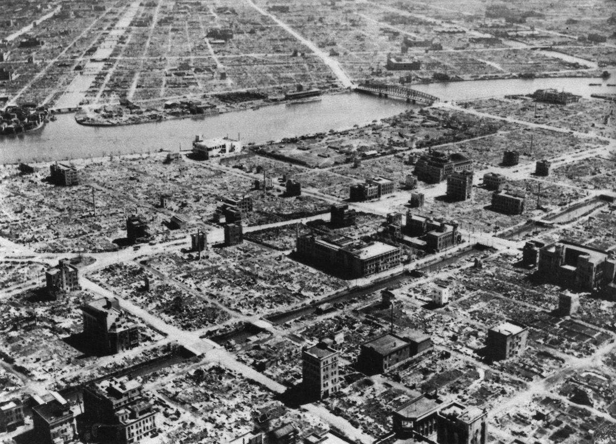 O bombardeamento de Tóquio terá sido o ataque aéreo isolado mais mortífero da história.
