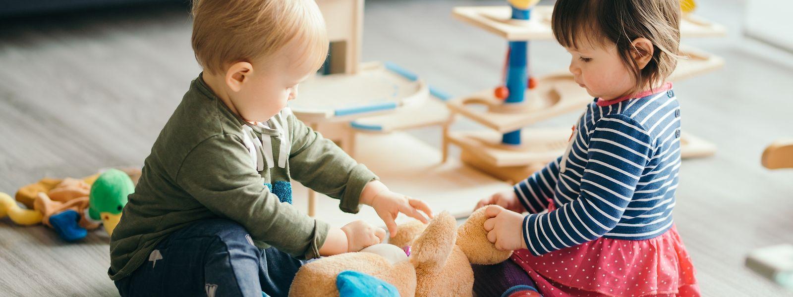 Les crèches devant fermer jusqu'au 10 janvier, au moins, les parents de petits enfants pourront bénéficier d'un congé pour raison familiale pour s'occuper de leur tout-petit.
