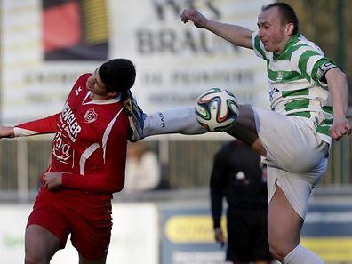 FUSSBALL  HOSTERT - ROSPORT 16.03.2014 NICOLAS DUECKER - ADIS OMEROVIC