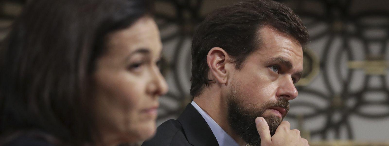 Facebook-Geschäftsführerin Sheryl Sandberg und Twitter-Chef Jack Dorsey standen den Senatoren Rede und Antwort.