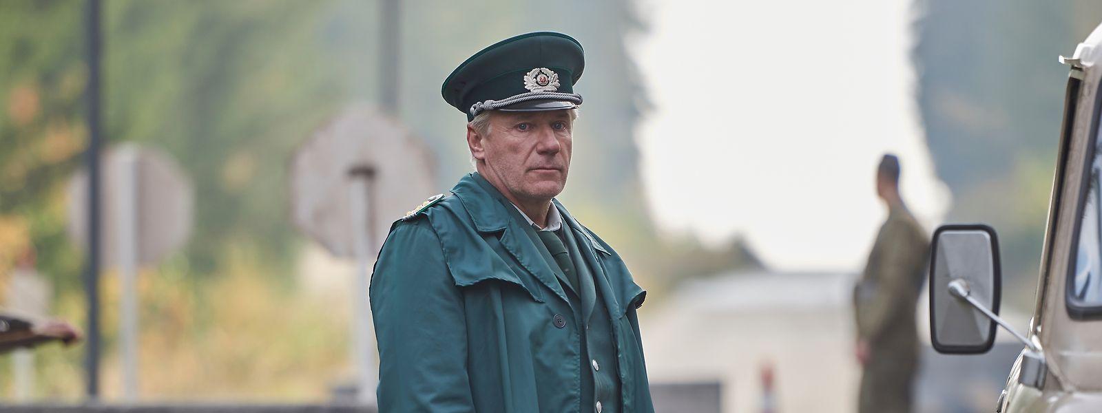 Jörg Schüttauf als DDR-Polizist Lothar Wieditz (Jörg Schüttauf).