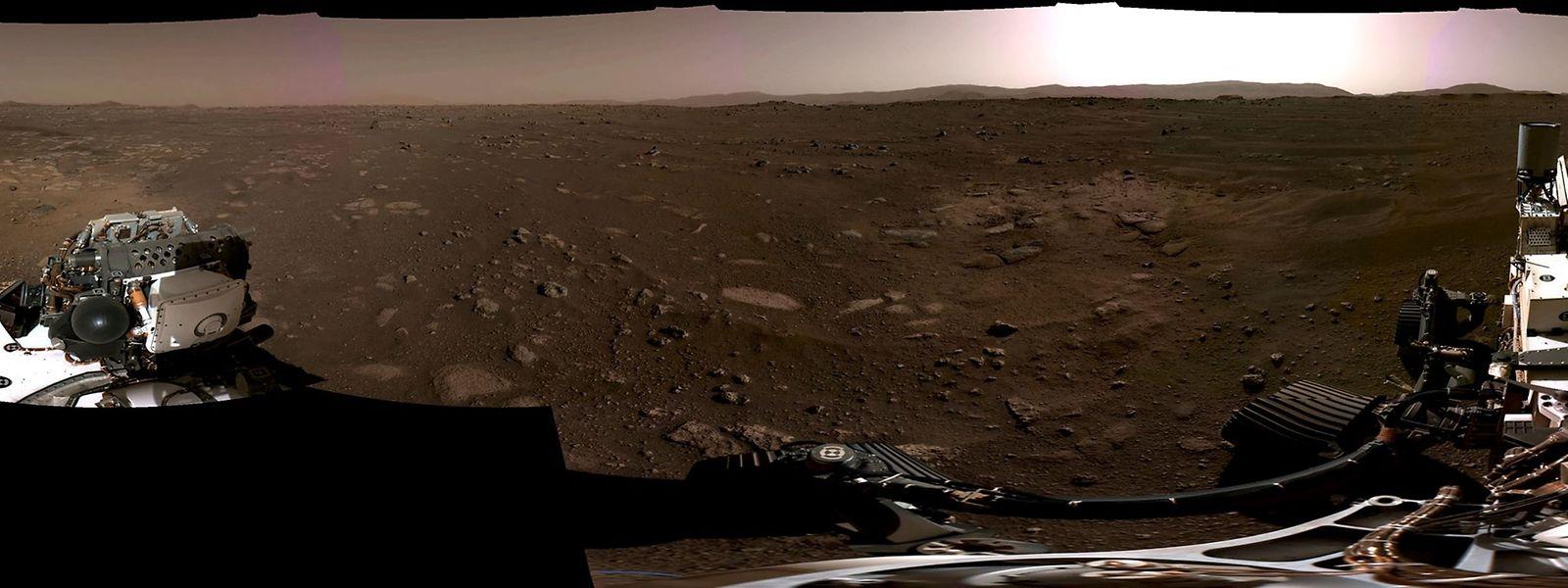 Le panamora de Mars pris par le rover Perseverance.