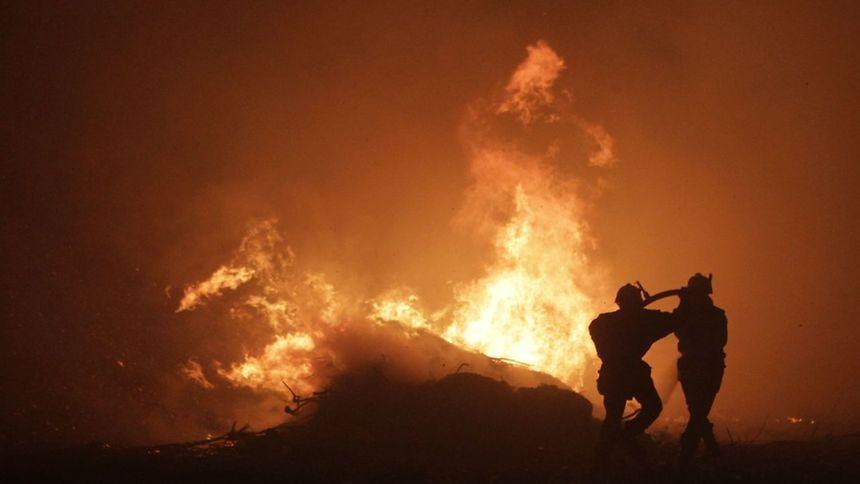 Alors que l'île est en proie depuis plus de 24 heures à des incendies importants sur le Cap Corse et en Balagne, les sapeurs-pompiers ont dû faire face vendredi dans la soirée à de nouveaux départs d'incendies à Bastia.