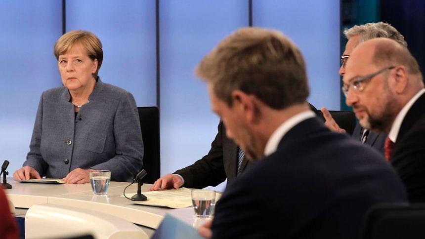 Kauder erneut zum Vorsitzenden der Unionsfraktion gewählt