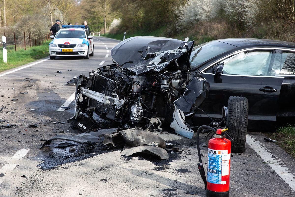 Drei Fahrzeuge waren in den Unfall verwickelt.