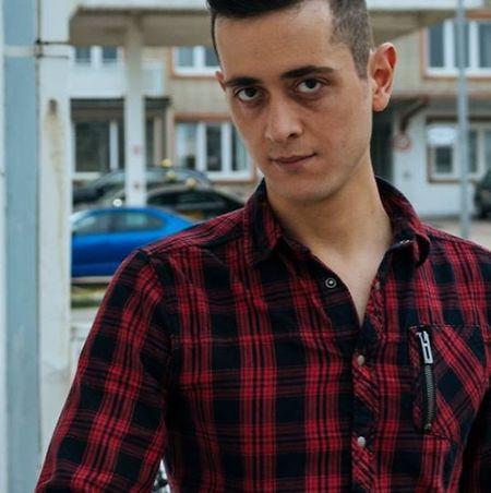 """Auch Yazan erzählt seine Gesichte auf """"imnotarefugee.lu""""."""