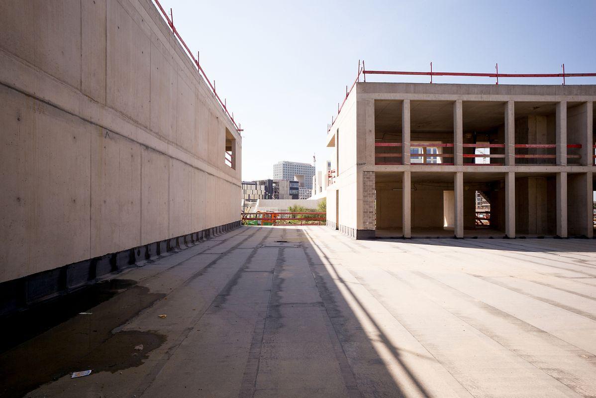 Freie Sicht auf die Nachbarn: Das Rettungszentrum befindet sich neben dem Lycée Vauban. Dahinter entstehen unter anderem ein Einkaufszentrum und der neue Deloitte-Firmensitz.