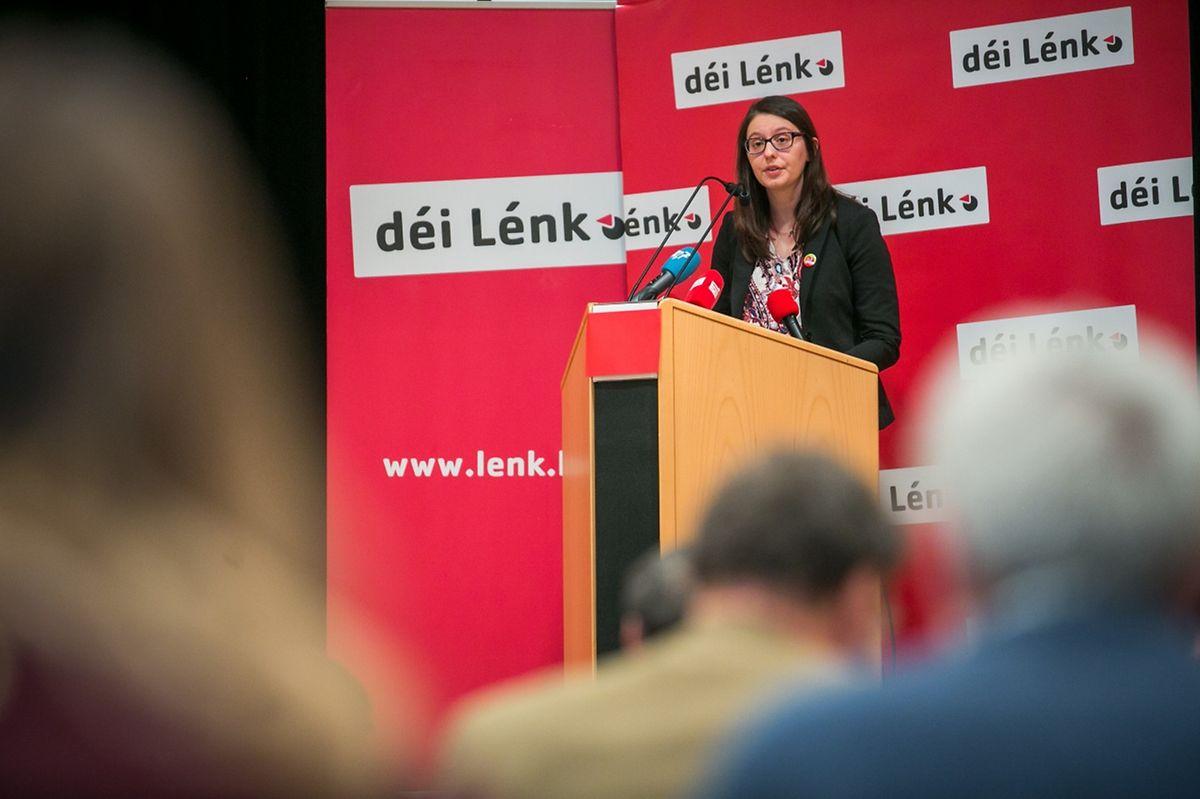 """Die Parteisprecherin von Déi Lénk, Carole Thoma, fordert im Kampf gegen die Wohnungsmisere  """"radikalere Lösungen"""" ."""