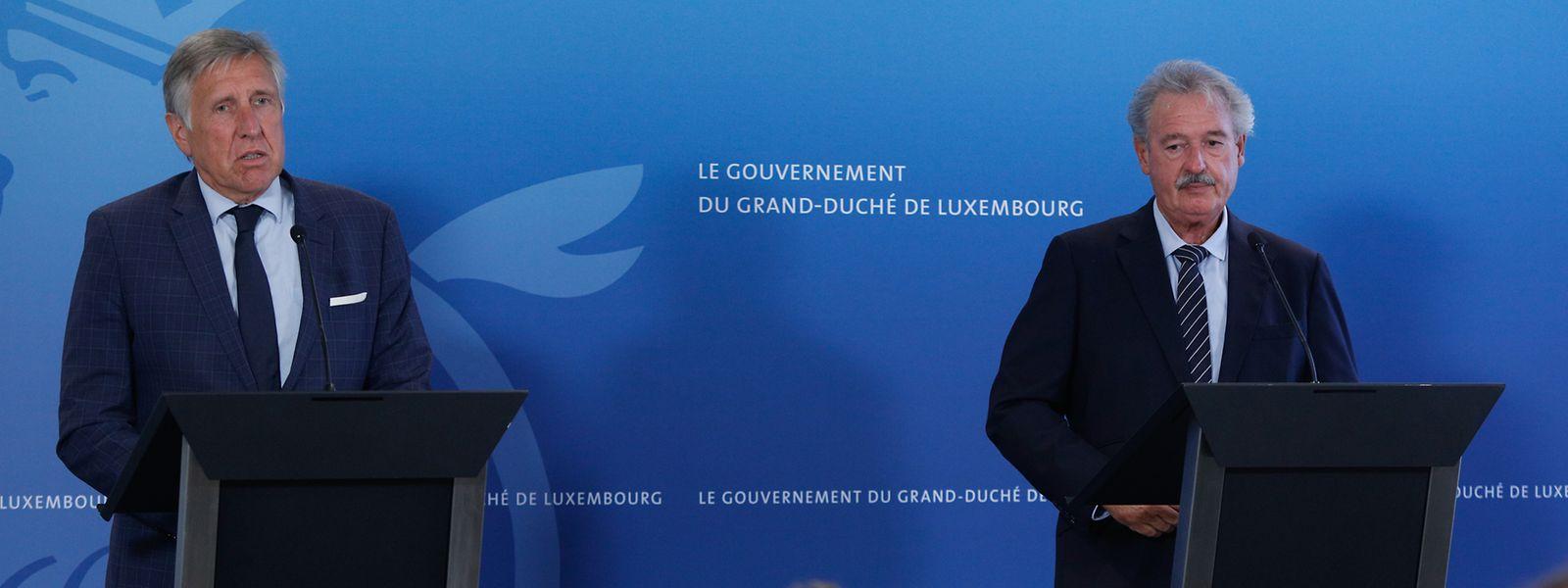 Verteidigungsminister Bausch (l.) und Außenminister Asselborn betonten die notwendige internationale Zusammenarbeit.