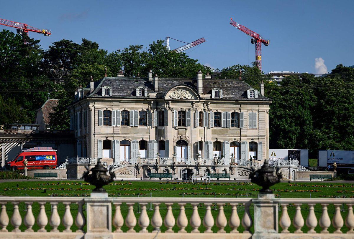 Die herrschaftliche Villa La Grange mit Blick auf den Genfersee.