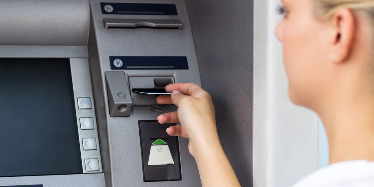 Viele Leute wissen nicht, dass sie noch Geld auf einem Bankkonto haben.
