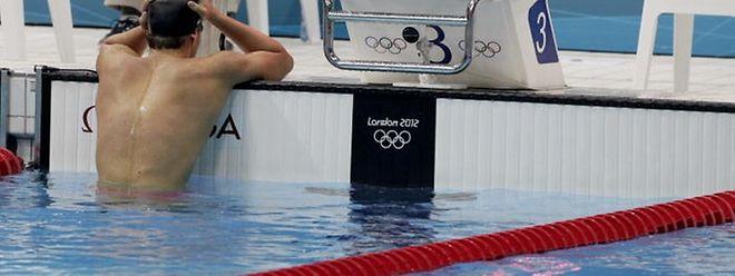 Prostré sur les bords du bassin londonien, Raphaël Stacchiotti rumine sa déception.
