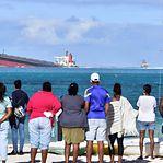 Navio encalhado nas Maurícias desde julho antecipa desastre ecológico