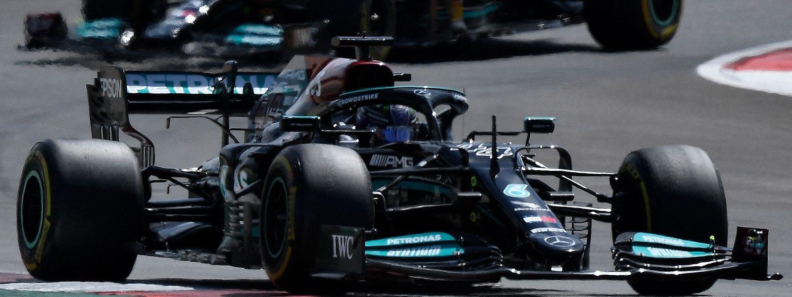 Sieg Nummer zwei für Lewis Hamilton im dritten Saisonrennen.