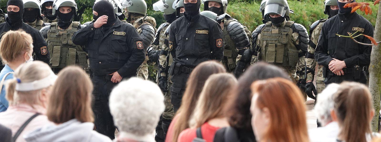 russische militarische frauen